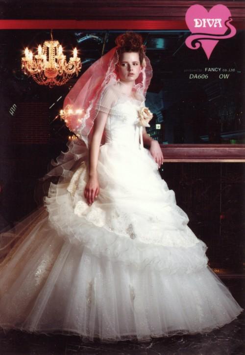 (花嫁衣裳)(ウェディングドレスレンタル)(貸衣裳)ウェディングドレス 586