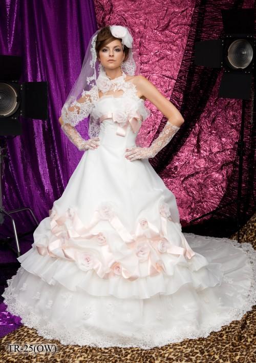 (花嫁衣裳)(ウェディングドレスレンタル)(貸衣裳)ウェディングドレス 611