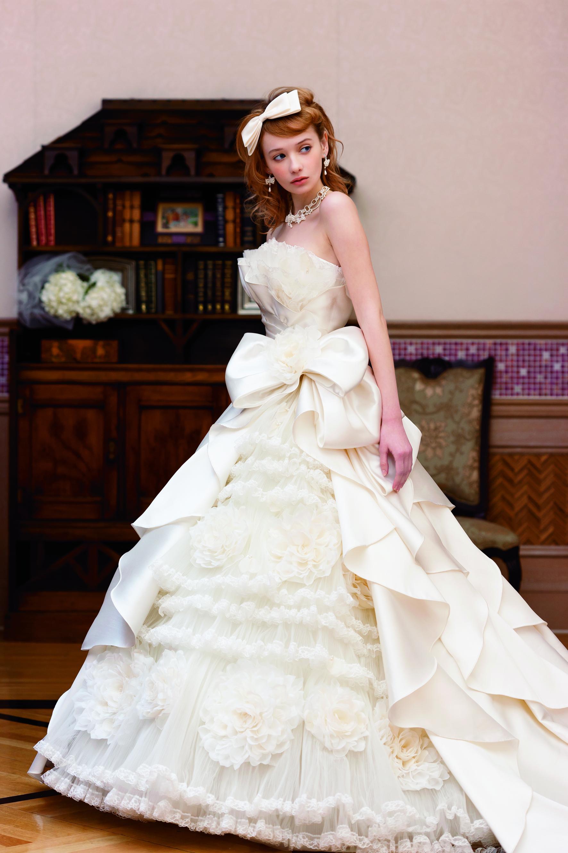 ウェディングドレス»
